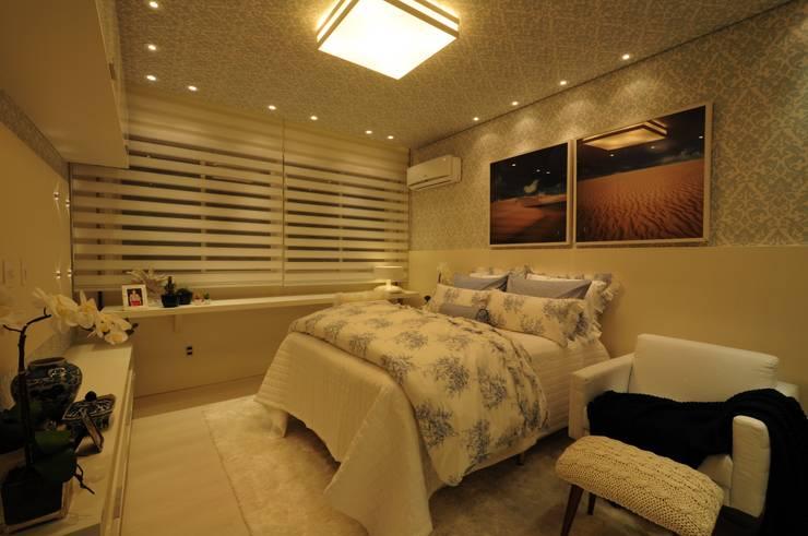 غرفة نوم تنفيذ Guido Iluminação e Design
