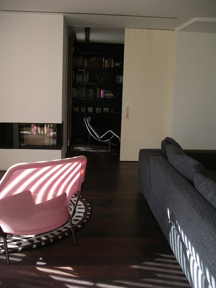 Moradia PNG: Salas de estar  por Space Invaders _ Arquitectura e Design