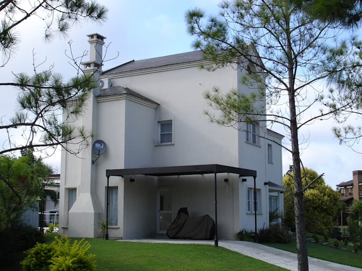 Casa en Barrio Nautico: Garajes de estilo moderno por Grupo PZ