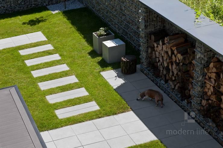Płyta Cube: styl , w kategorii Ogród zaprojektowany przez Modern Line,