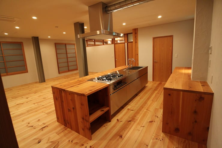M邸リノベーション ミニマルデザインの キッチン の 阿部工務所 ミニマル 鉄/鋼