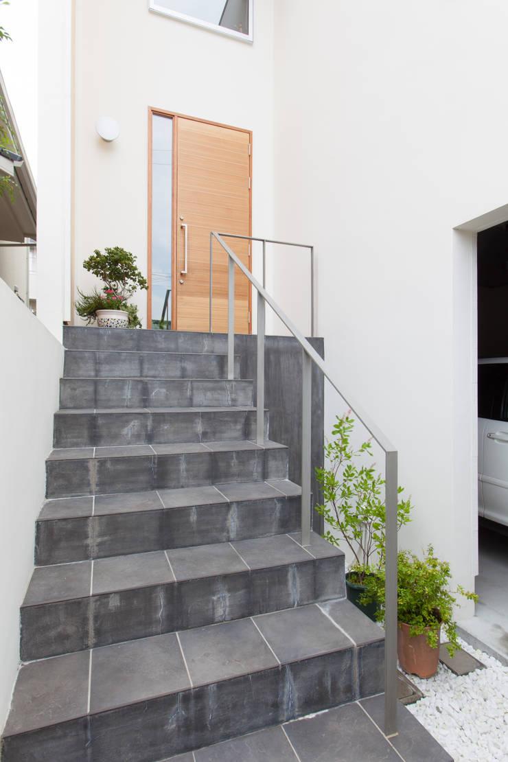 箕面桜の家: 株式会社 atelier waonが手掛けた家です。