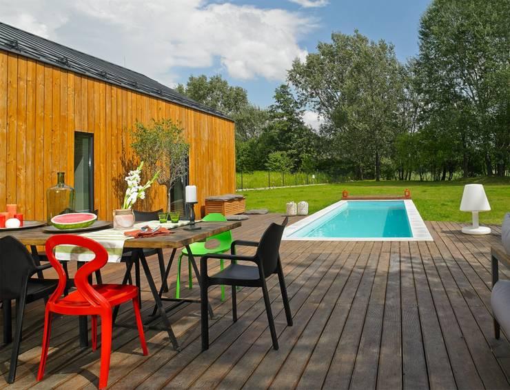Dom: styl , w kategorii Taras zaprojektowany przez stando interior design
