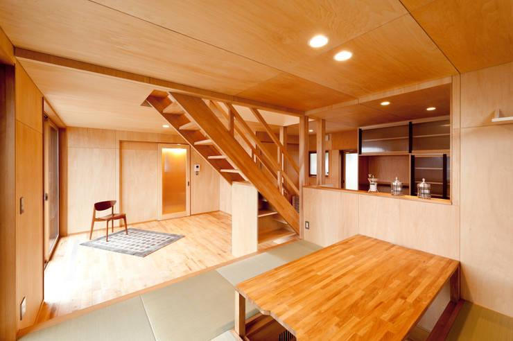 Ruang Keluarga by 株式会社山口工務店