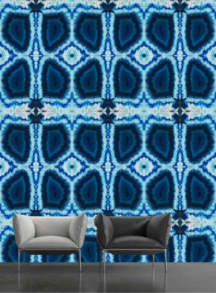 TAPETA CALEIDOSCOPE BLUE: styl , w kategorii Ściany i podłogi zaprojektowany przez Eclectic Living