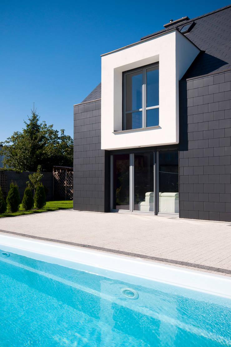 Dom w Bydgoszczy : styl , w kategorii Basen zaprojektowany przez AAYE Architekci