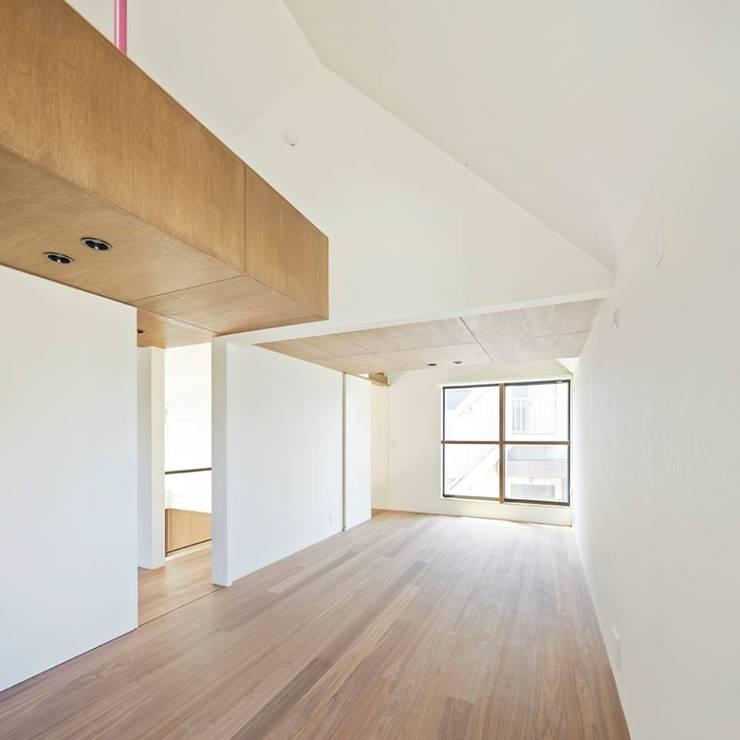 白砂孝洋建築設計事務所의  침실