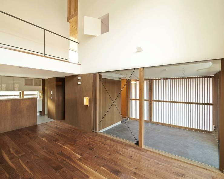 白砂孝洋建築設計事務所의  차고