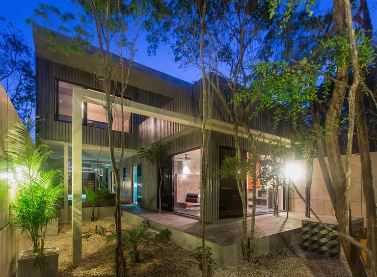 Casa T: Casas de estilo  por Studio Arquitectos