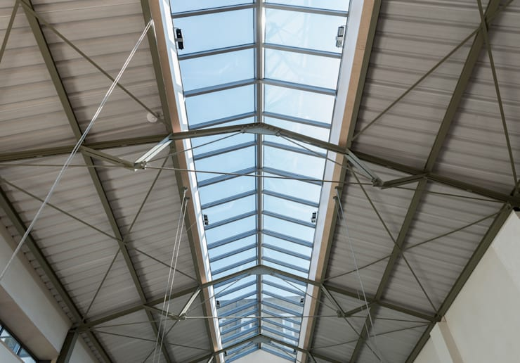 Janelas   por Henning Stummel Architects Ltd,
