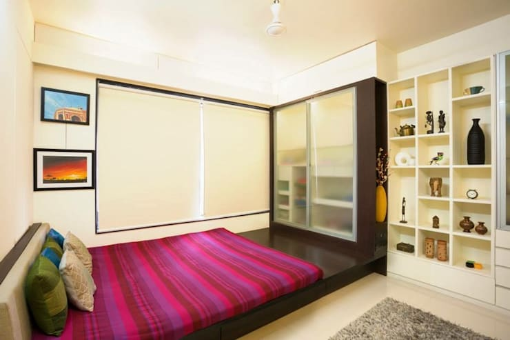 2BHK Residence:  Bedroom by INTERIOR WORKS