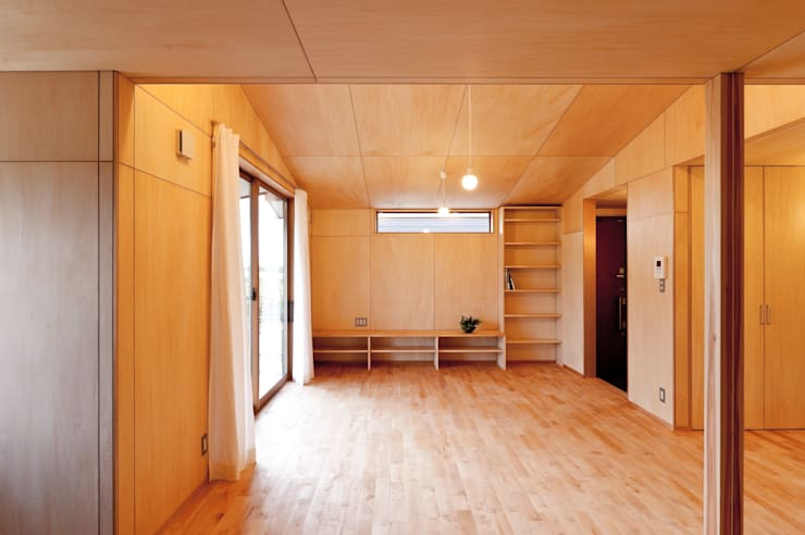 Living room by 株式会社山口工務店, Modern