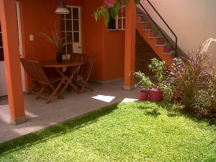 La Casa de Titi – Caballito: Jardines de estilo  por APPaisajismo