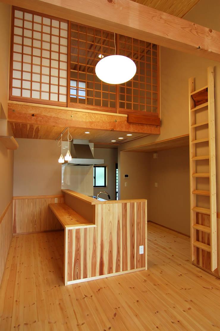 恒屋の家: 今村建築一級建築士事務所が手掛けたキッチンです。