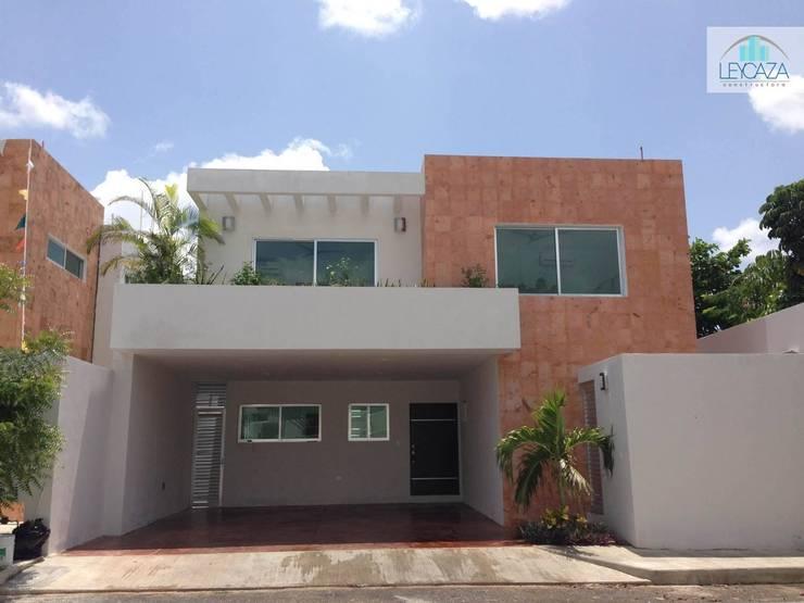 Mexico Norte: Casas de estilo  por LEYCAZA SA DE CV