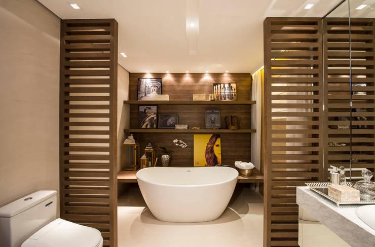 B.C.D.: Banheiro  por Ana Mitzakoff - Designer de interiores,