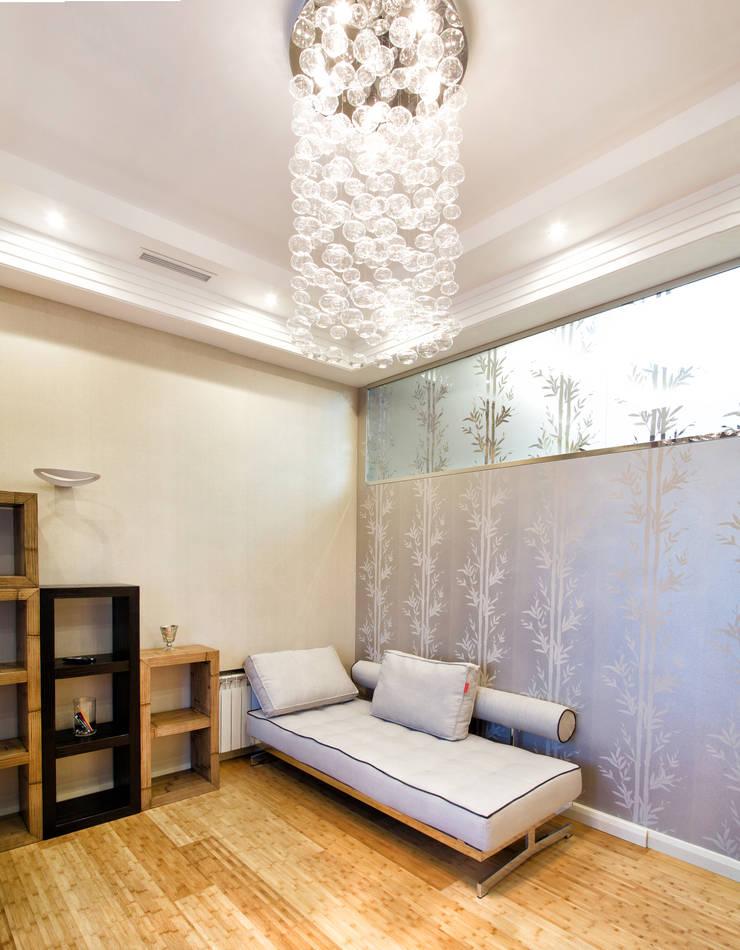 Интерьер квартиры в современном стиле: Рабочие кабинеты в . Автор – Antica Style