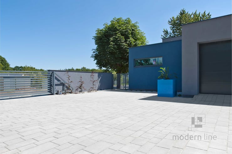 Kostka brukowa Design: styl , w kategorii Balkon, weranda i taras zaprojektowany przez Modern Line
