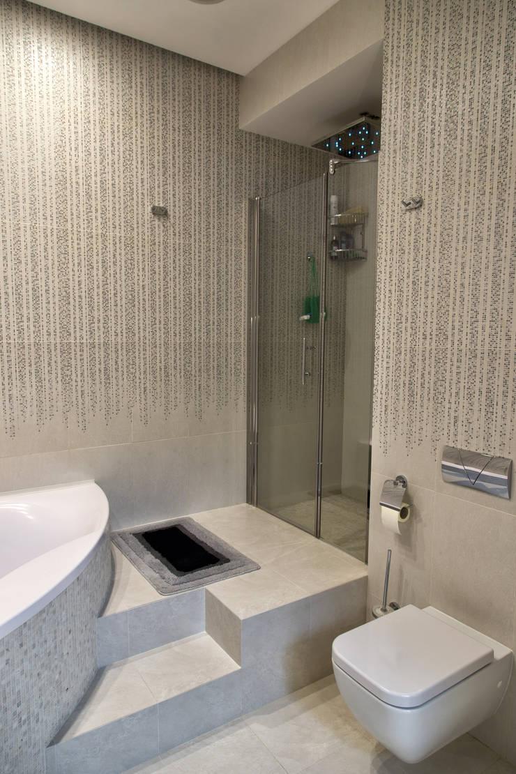 Интерьер квартиры в современном стиле: Ванные комнаты в . Автор – Antica Style