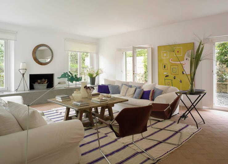 Salas de estar modernas por Melian Randolph