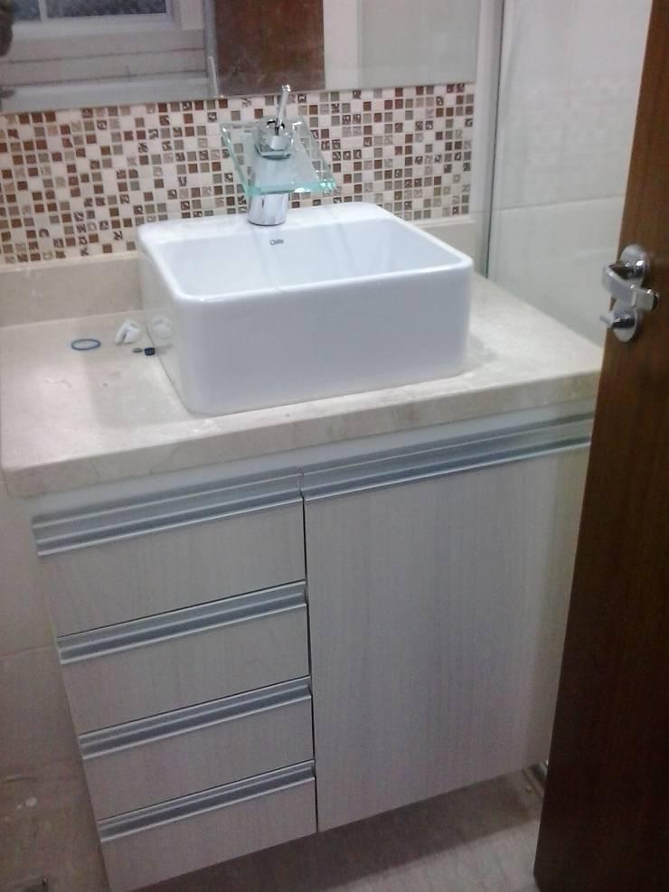 Closet Prestige: Banheiros  por Prestige Móveis Planejados