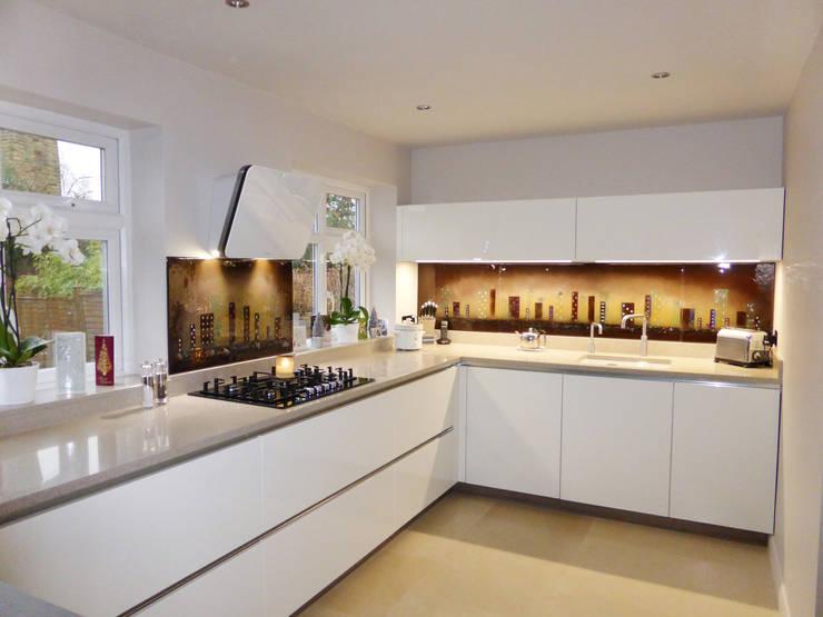 modern Kitchen by Morpheus Glass
