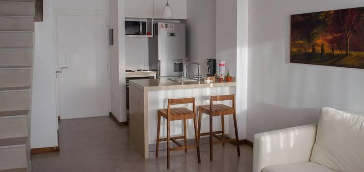 Remodelación Departamento LZ en Caballito: Comedores de estilo moderno por RSOarquitectos