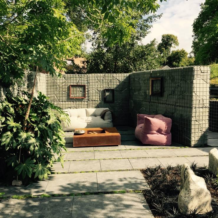 """""""MuGa"""" Grugapark Essen : modern  door Woodzs.nl, Modern"""