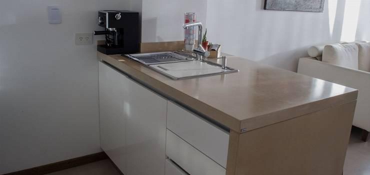 Remodelación Departamento LZ en Caballito: Cocinas de estilo  por RSOarquitectos