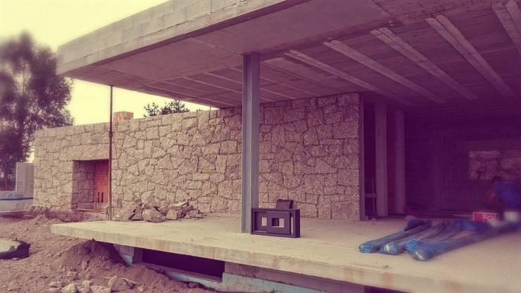 Varios: Casas  por AAC ARQUITECTOS