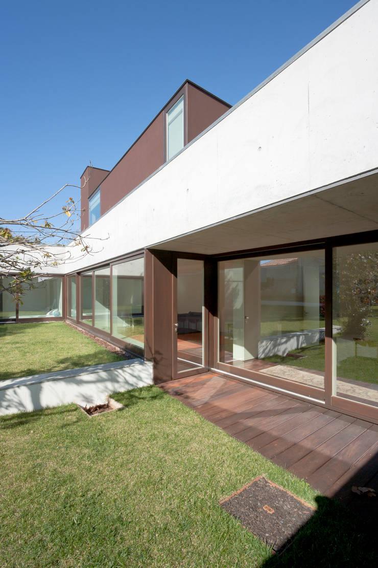 Projeto: Casas  por Figueiredo+Pena