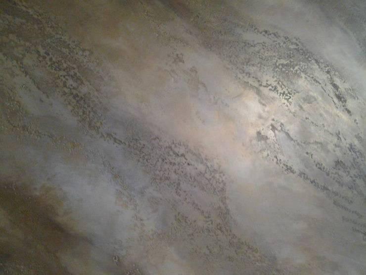 Piedra Spaccata: Paredes de estilo  por Pintur Arte