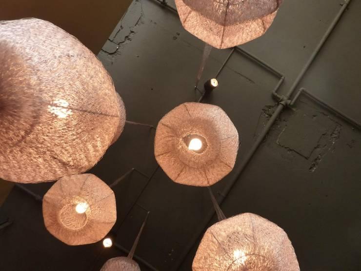 Colección Farola: Pasillos, vestíbulos y escaleras  de estilo  por La Feliz