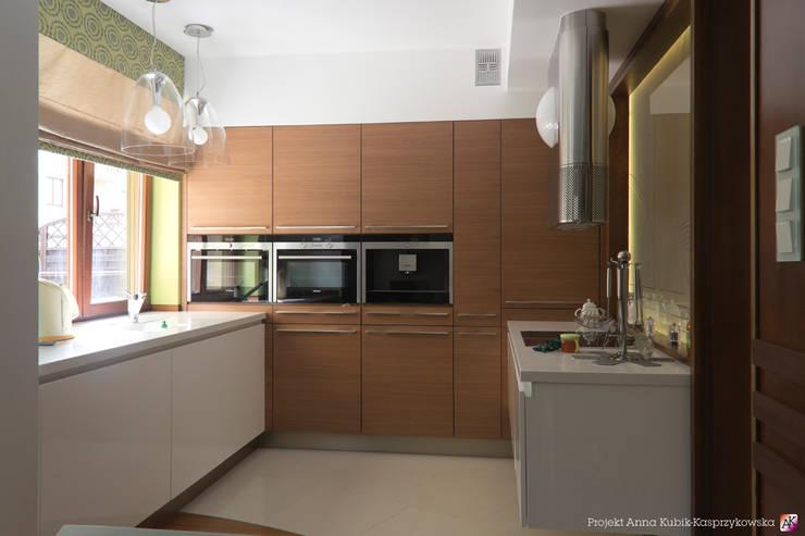 mieszkanie Gdańsk: styl , w kategorii Kuchnia zaprojektowany przez Grafick sp. z o. o.