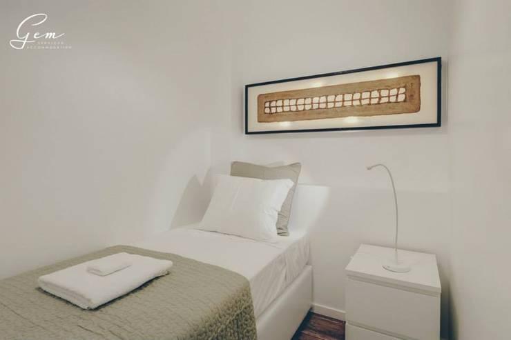 Projekty,  Sypialnia zaprojektowane przez Obrasdecor