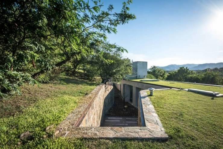 Casa Q2 : Casas de estilo  por Arq. Santiago Viale Lescano