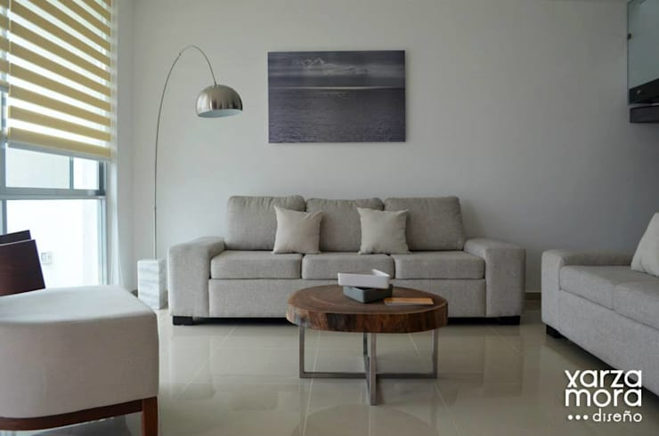 Casa muestra: Salas de estilo  por Xarzamora Diseño