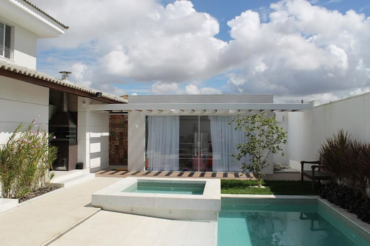 projeto: Casas clássicas por Livia Tavares - Homify