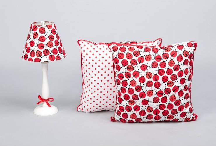 Kolekcja III: styl , w kategorii Sypialnia zaprojektowany przez POPEE Popielewska Style