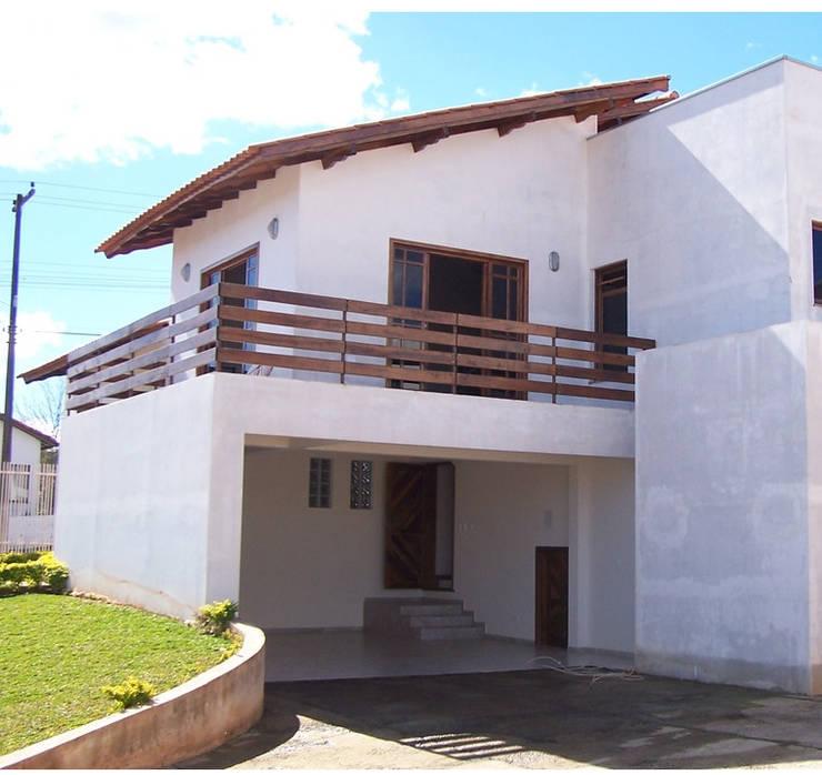 projeto: Casas  por Grifo Arquitetura