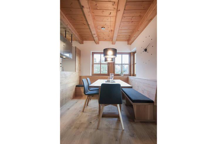 Comedores de estilo minimalista por FRAME Innenarchitektur