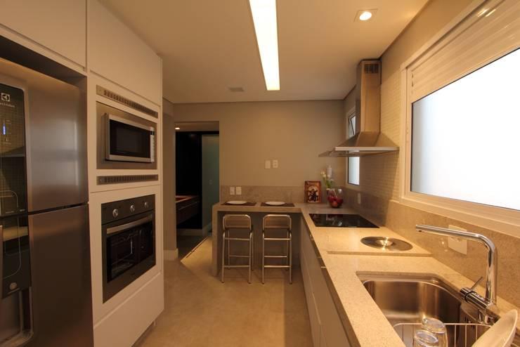 Apartamento Ânima Clube: Cozinhas  por ArchDuo Arquitetura