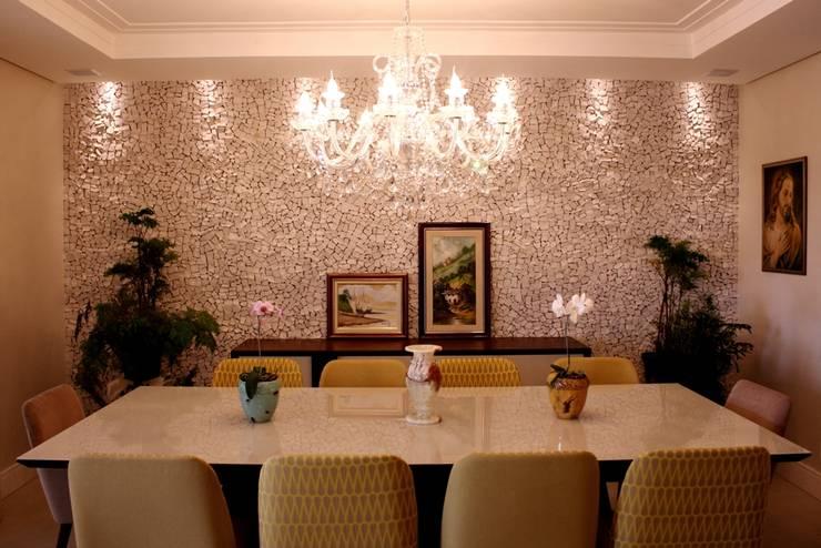 Apartamento Mansão Imperial: Salas de jantar  por ArchDuo Arquitetura