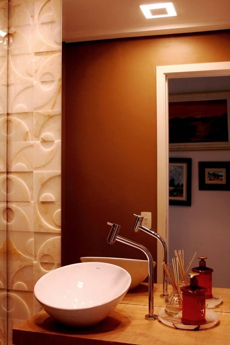 Apartamento Mansão Imperial: Banheiros  por ArchDuo Arquitetura