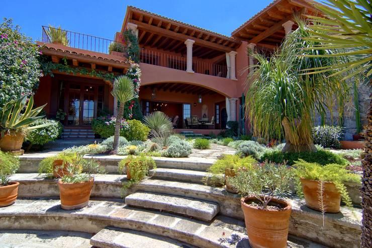 Casa Sancho: Casas de estilo  por Terra