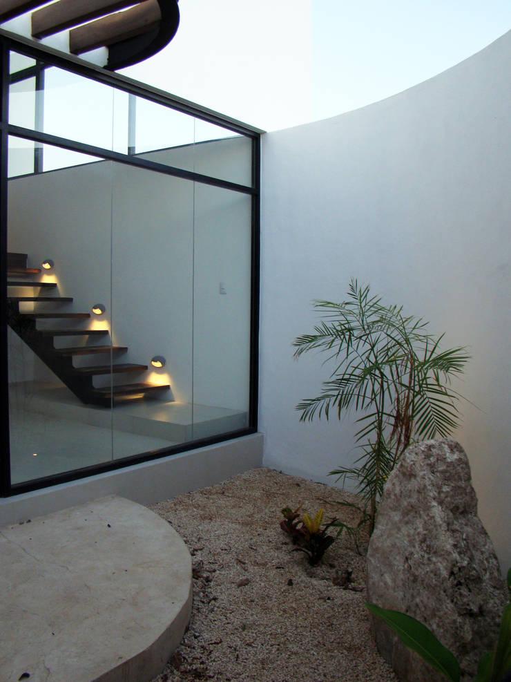บ้านและที่อยู่อาศัย โดย STUDIO 360,