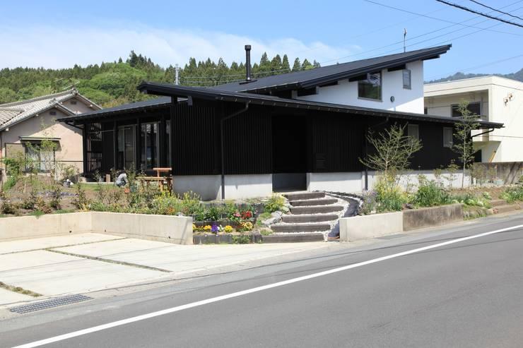薪ストーブの家  群馬県 中之条町: 田村建築設計工房が手掛けた家です。
