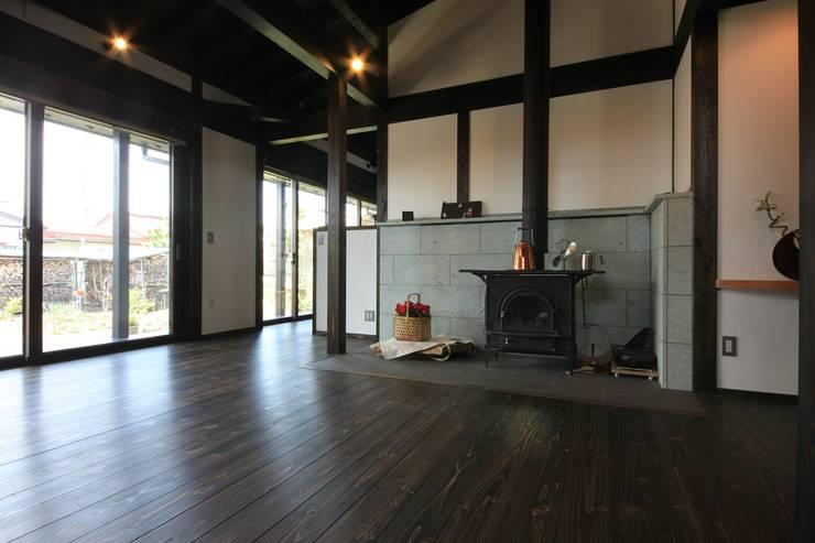 田村建築設計工房의  거실