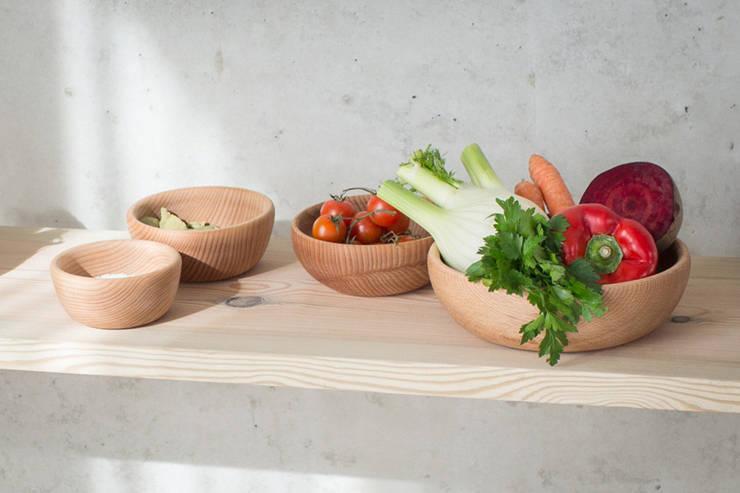 Holzschalen:  Küche von homify
