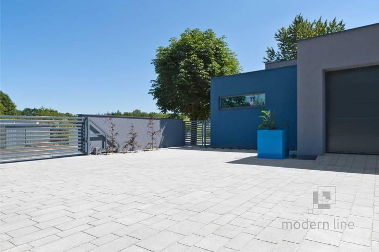 Nowoczesne nawierzchnie z betonu: styl , w kategorii Taras zaprojektowany przez Modern Line,Nowoczesny